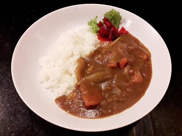野菜お肉ごろごろファミリーカレー
