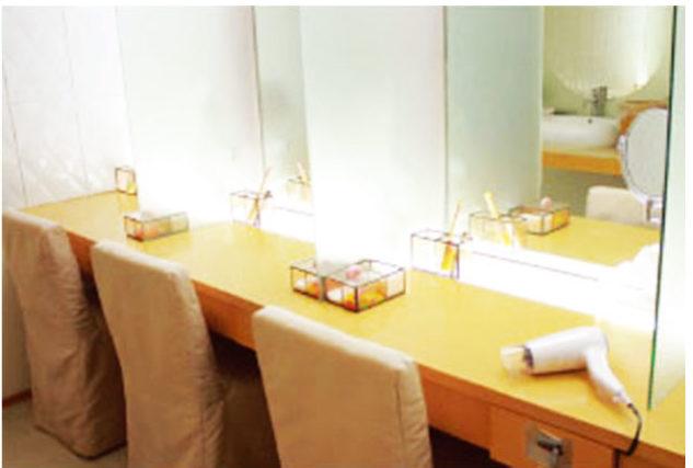 清潔なパウダールーム