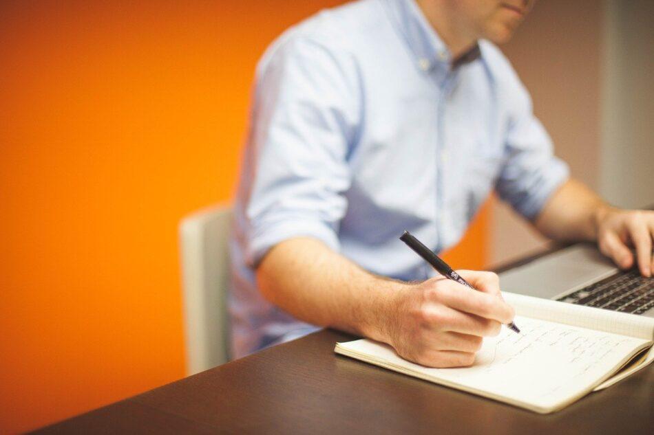 失業保険は増加、事業閉鎖も1,391件