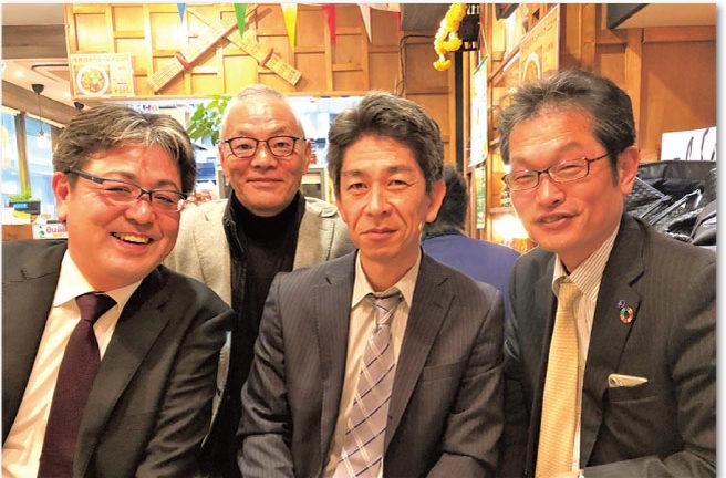 日本支部発足、左から犬走氏、小泉氏、加藤氏、杉野氏