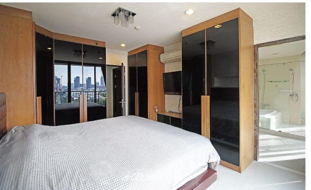 採光が良く明るいジ アルコーブ トンロー 10のベッドルーム