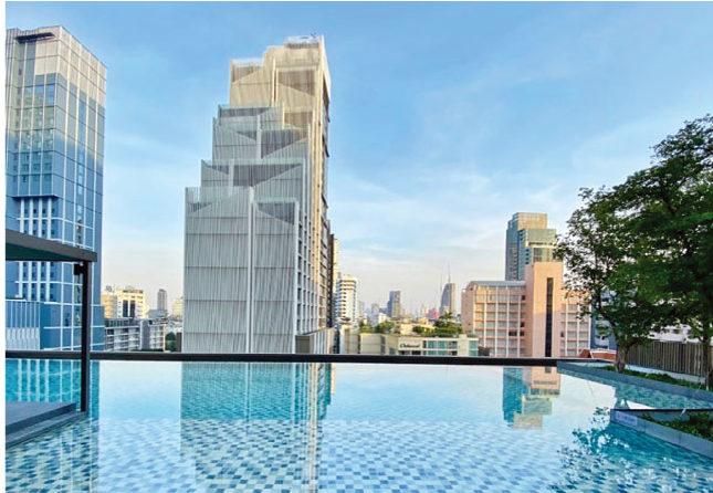 オークウッド・スイーツ・バンコクでは開放的な屋外プールも設置