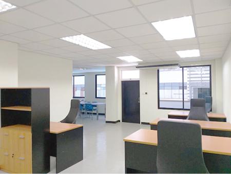 キャピタルマンションの オフィススペース