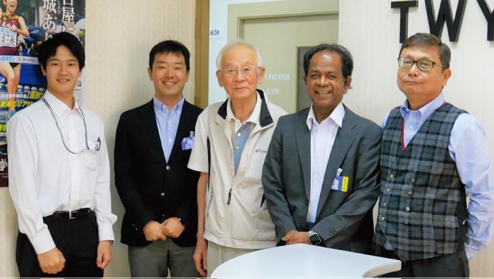 右から、山口会長、クマーラ学部(2020/2/7)