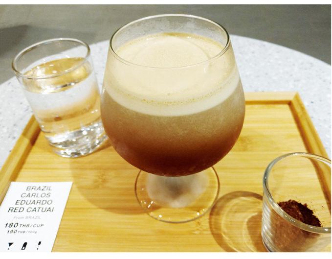 ブラジル豆のアイスブリュードコーヒー(180バーツ)