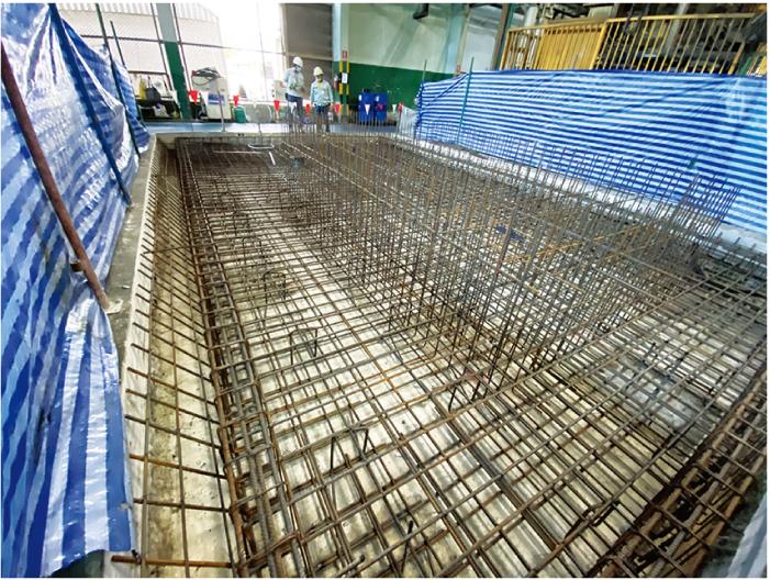 数百トンの重さに耐えられる工場の基礎工事