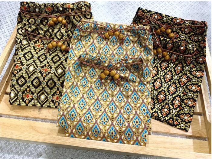 民芸品風のかわいい袋