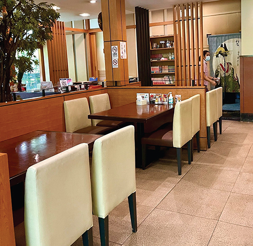 博多ではもちろん、店内飲食できます