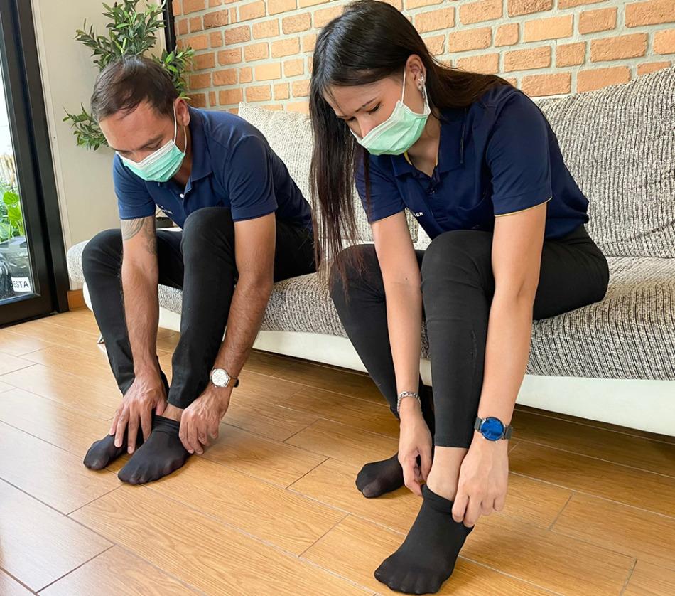 引越し作業スタッフは靴下も着用します
