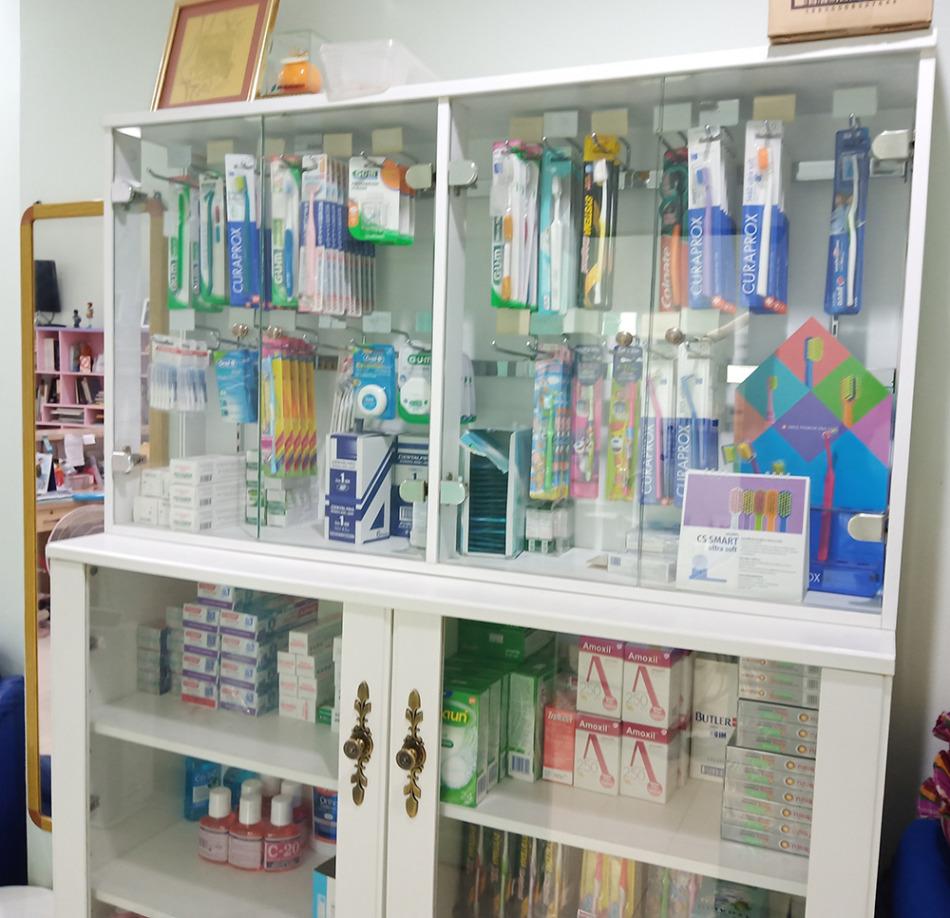 歯医者さんがおすすめするデンタルケアの製品も販売中