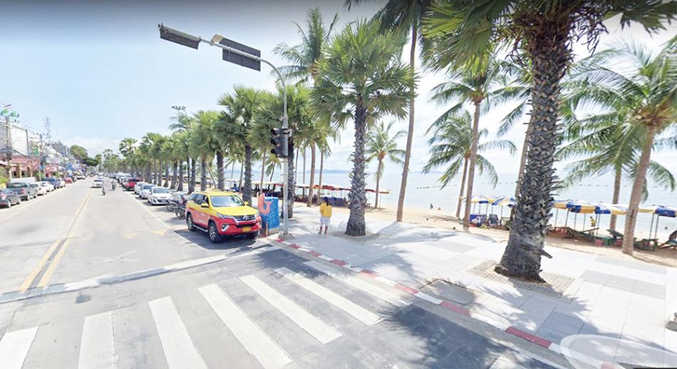 整備されたジョムティエンビーチ沿いの道路