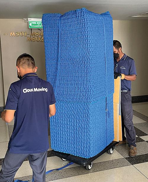 大型オフィス家具はパッキングしてから移動します