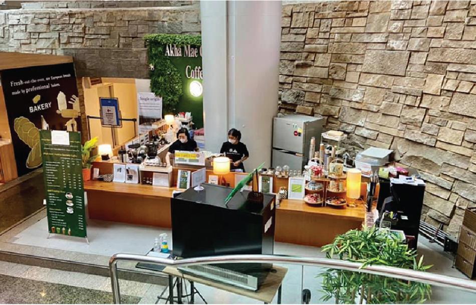 エンパイアタワー地下1階のアカ・メーチャンタイ・コーヒーショップ