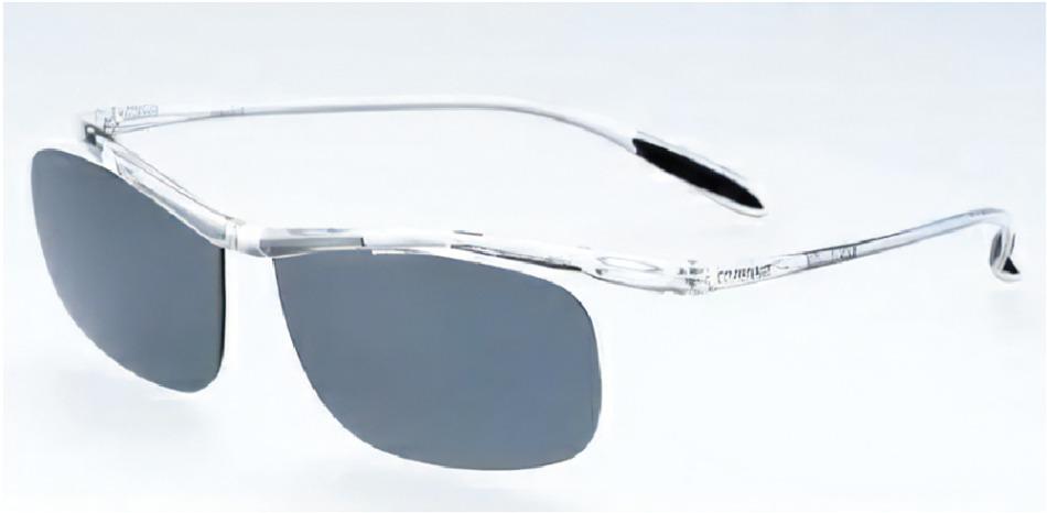 メガネの上からかけるアドグラスは重さ10g